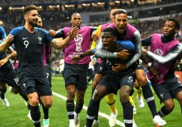 MOSCOW, RUSSIA - JULY 15:  Paul Pogba of France celebrates with team mates after scoring his team's second goal during the 2018 FIFA World Cup Final between France and Croatia at Luzhniki Stadium on July 15, 2018 in Moscow, Russia.  (Photo by Shaun Botterill/Getty Images)